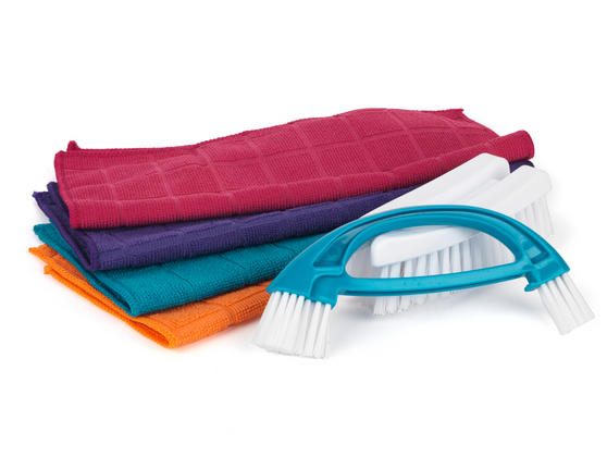 Beldray 2-in-1 Cleaning Brush and 4-Pack of Microfibre Cloths Thumbnail 2