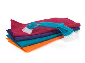 Beldray Mini Cleaning Brush and 4-Pack of Microfibre Cloths