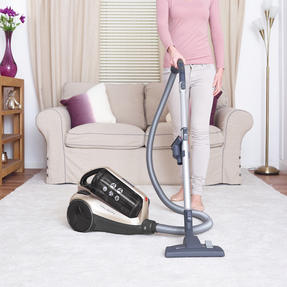 Hoover RE71VE25001 Velocity Bagless Cylinder Vacuum Cleaner, 2.5 Litre, 700 W, Black and Champagne Thumbnail 3