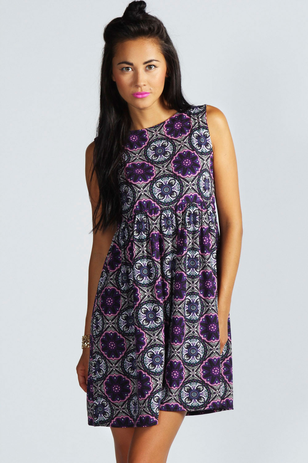 Boohoo Jessie Sleeveless Folk Smock Dress In Multi