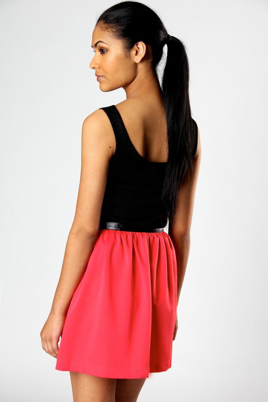 Boohoo-Misha-PU-Trim-Zip-Front-Skater-Skirt