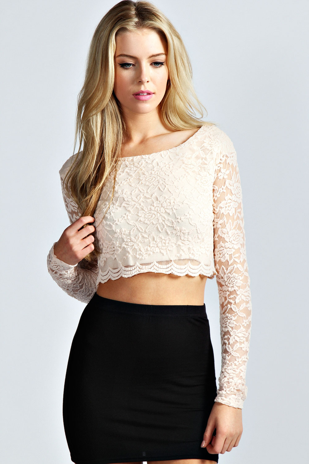 The crop top is really cute, hitting on a really good spot for me (just about the end of my rib cage and I'm 5'11). The material is nice, the lining is pretty and it is off shoulder and it's perfect for summer.