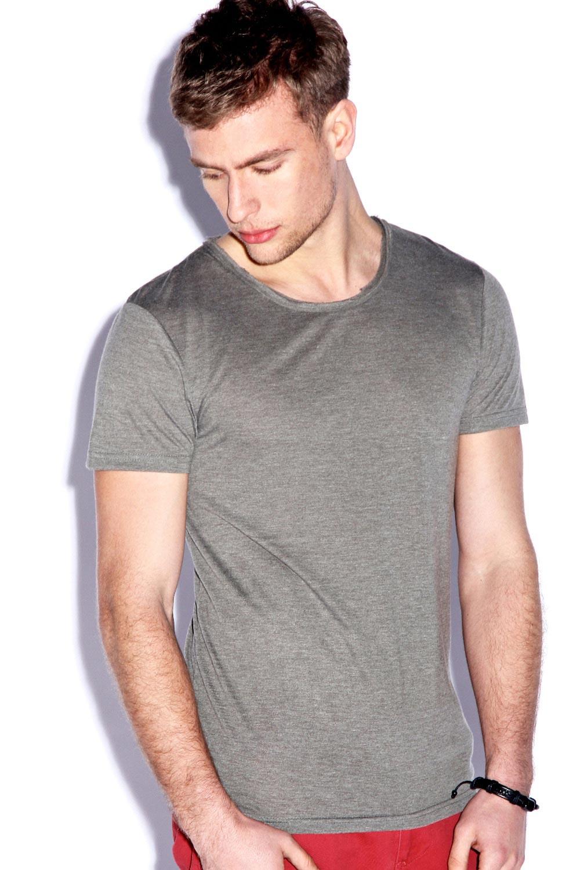 Boohoo mens premium round neck loose fit basic plain tee t for Premium plain t shirts