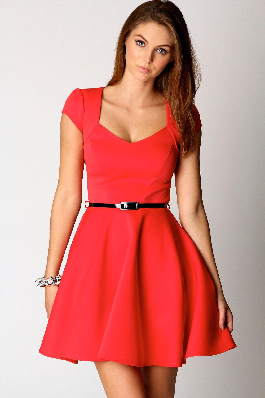 Boohoo Lara Sweetheart Neck Hip Length Skater Dress | eBay
