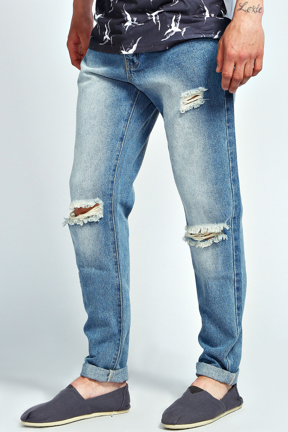 Mens Ripped Knee Jeans - Is Jeans
