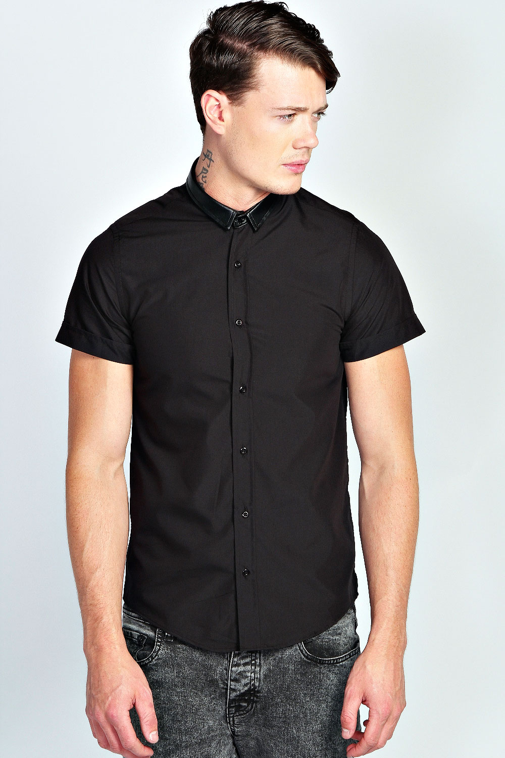 Boohoo mens button front fastening short sleeve poplin top for Mens button collar shirts