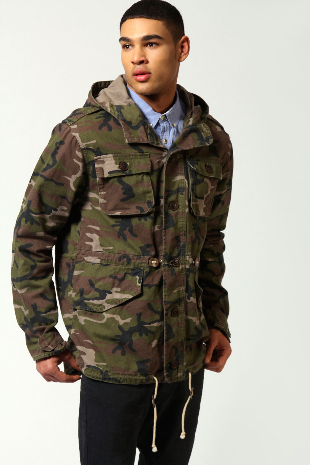 Men's coats and jackets from Timberland are brightening up rain wear with bold colours, deft detailing and classically cut silhouettes. From bomber jackets to rain macs and blazers, our collection of men's outerwear uses the latest in fabric technology to create stylish waterproof jackets for men.