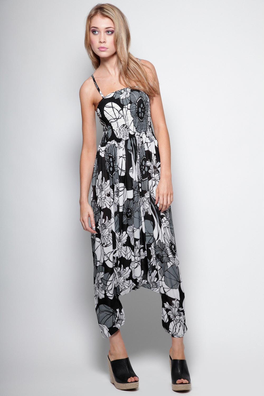 Boohoo-Penny-Oversized-Floral-Baggy-Harem-Jumpsuit
