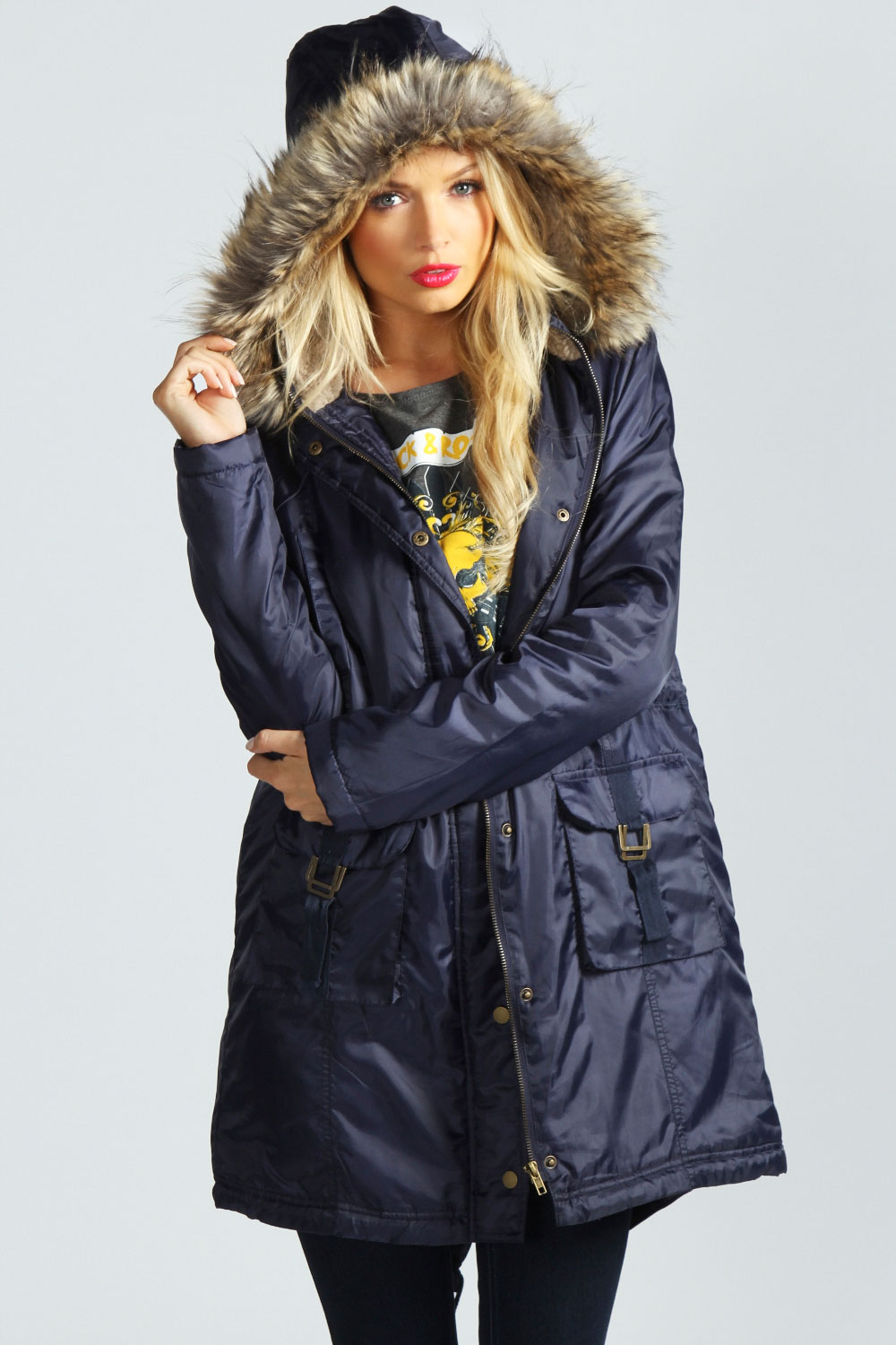 Old Navy Coats Old Navy coats feature the timeless classics and trendy styles you'll love. Everyone in the family can wrap up in a new coat at an affordable price.