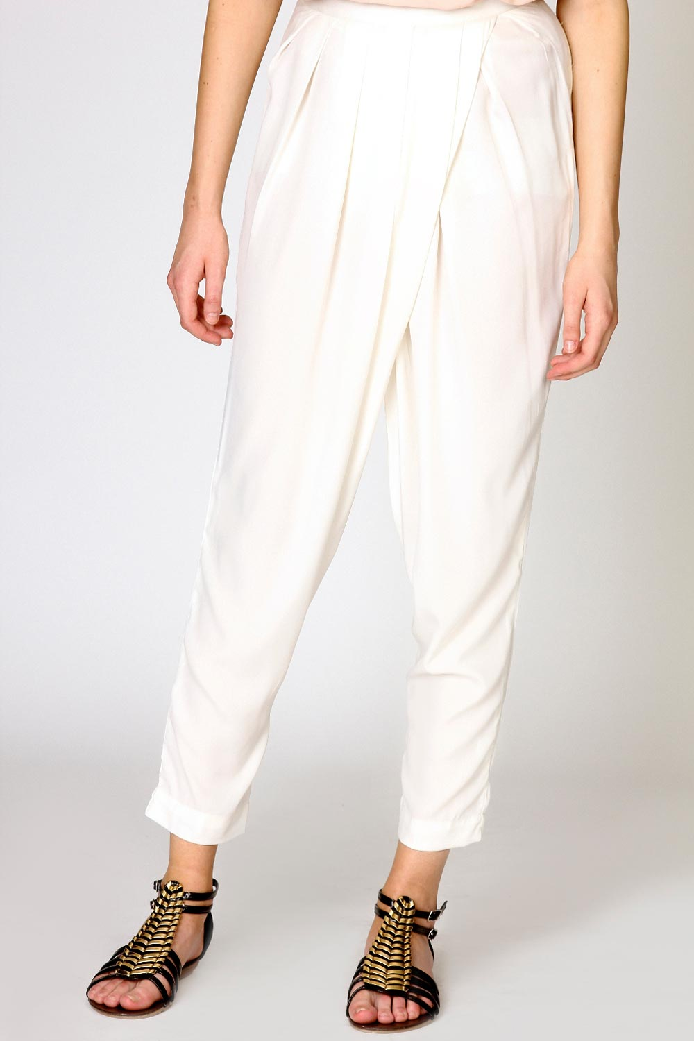 Boohoo-Bella-Woven-Pleat-Front-Detail-Trousers