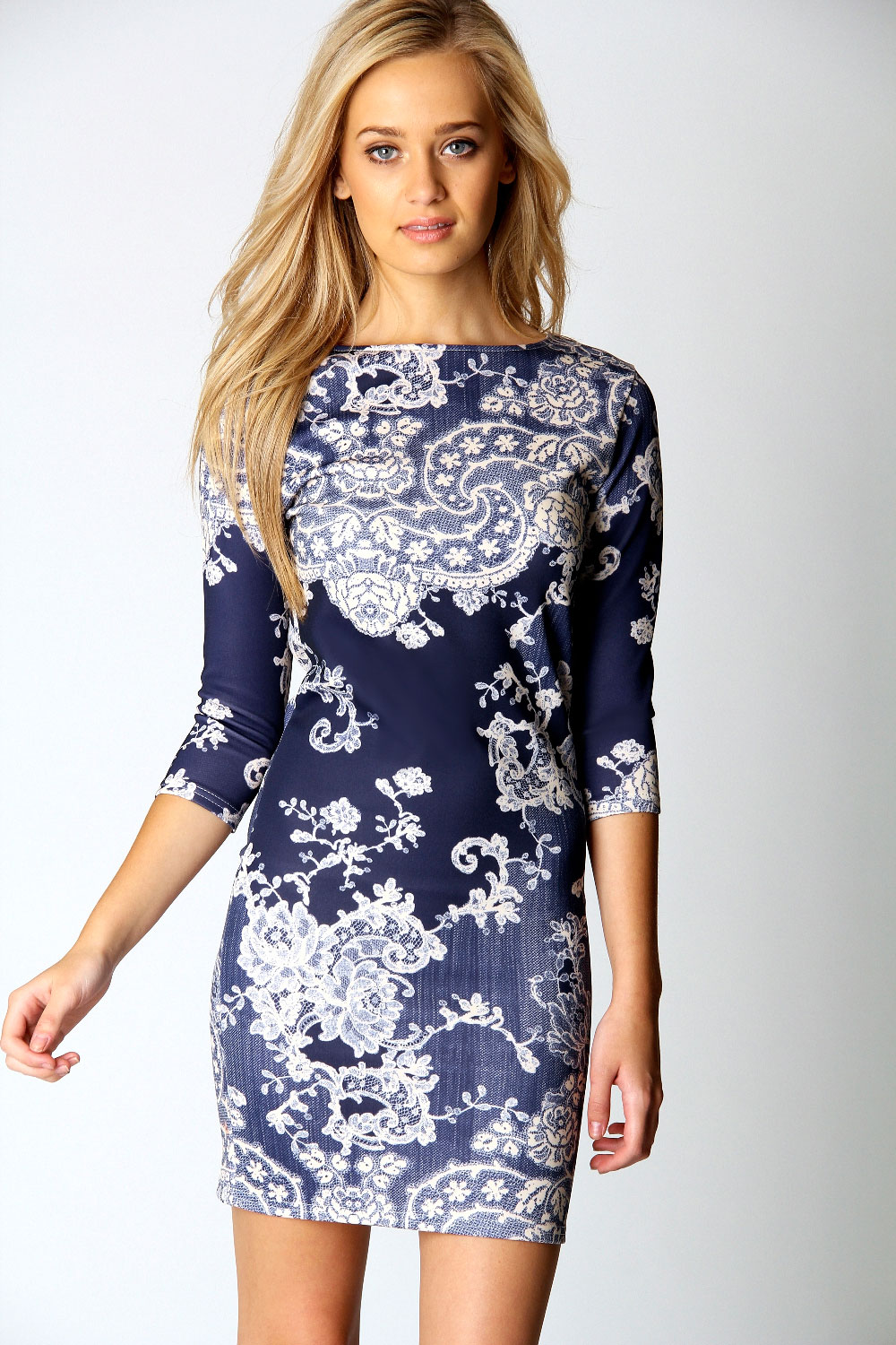 Boohoo-Darcey-Printed-Sleeve-Bodycon-Dress-In-Multi