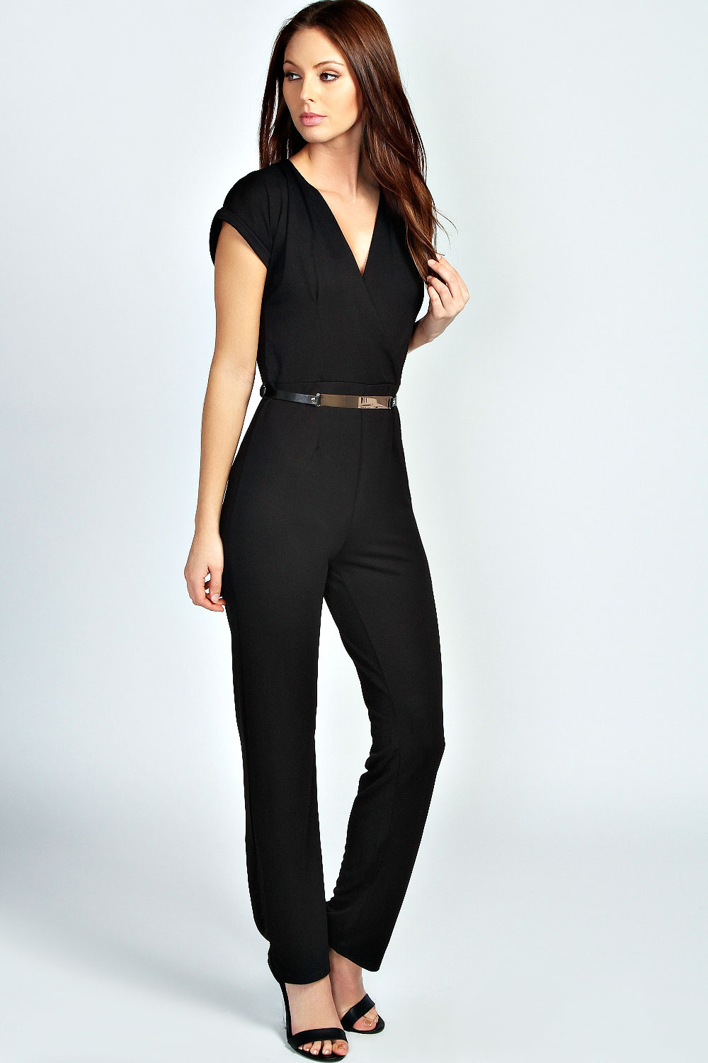 Shop Inexpensive Cute Rompers and Jumpsuits for Women at Old Navy Online. Old Navy rompers for women are easy for one-stop dressing. Spaghetti straps, sleeveless styles and short sleeves give you an option for every occasion. Choose affordable jumpsuits with a V-neckline and wide legs for night. Worn with metallic accessories and stacked.