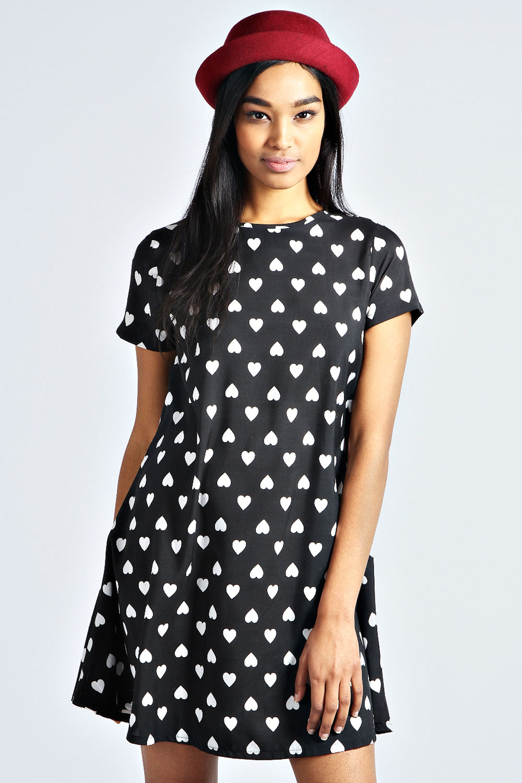 Boohoo-Sadie-Heart-Print-Monochrome-Swing-Dress-In-Black