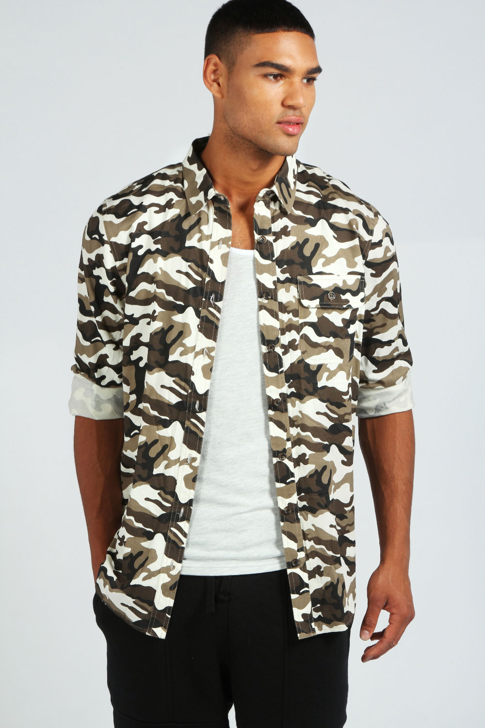 Boohoo-Mens-Long-Sleeve-All-Over-Camo-Top-Shirt-In-Camo-Green