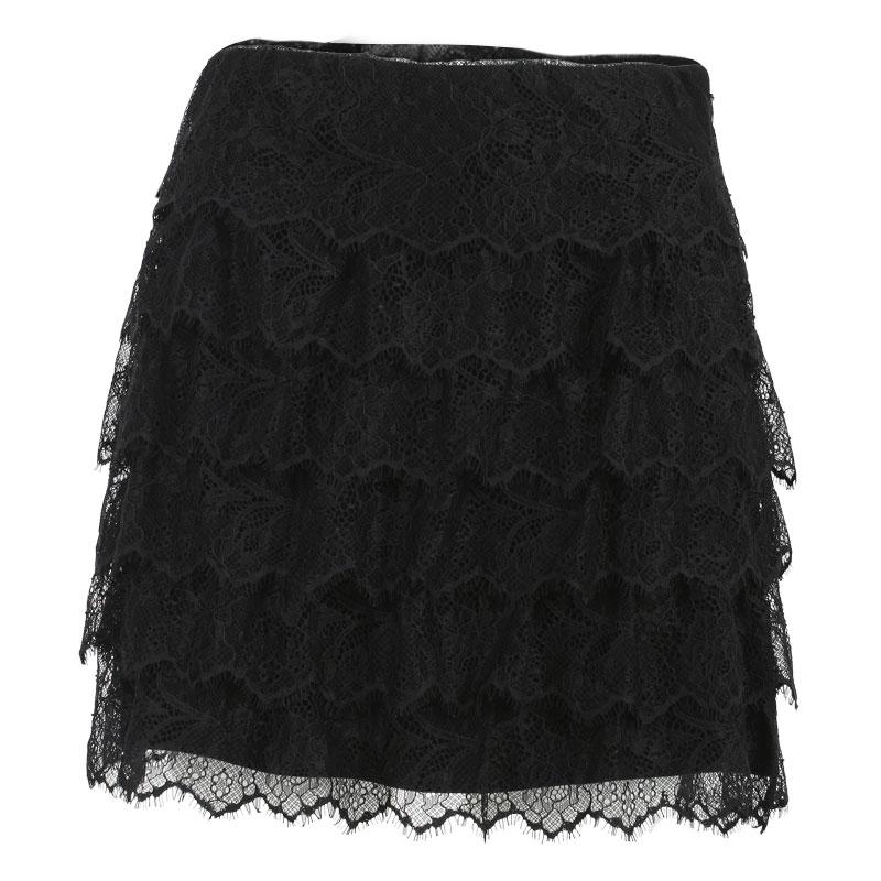Ellena Black Lace Shorts - Shorts - PrettylittleThing ... |Black Tiered Lace Shorts