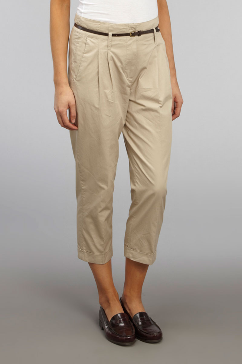Beige is a very neutral shade. Various colors like white, black, oink, peach, orange, red sky blue will all go with beige pants. For more fashion updates follow.