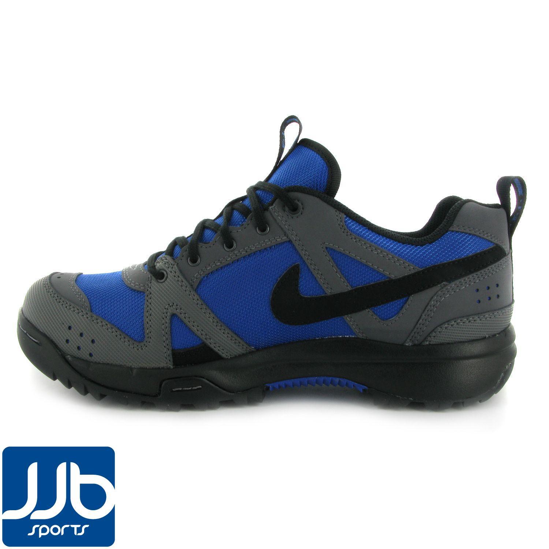 Nike Rongbuk Hiking Shoes
