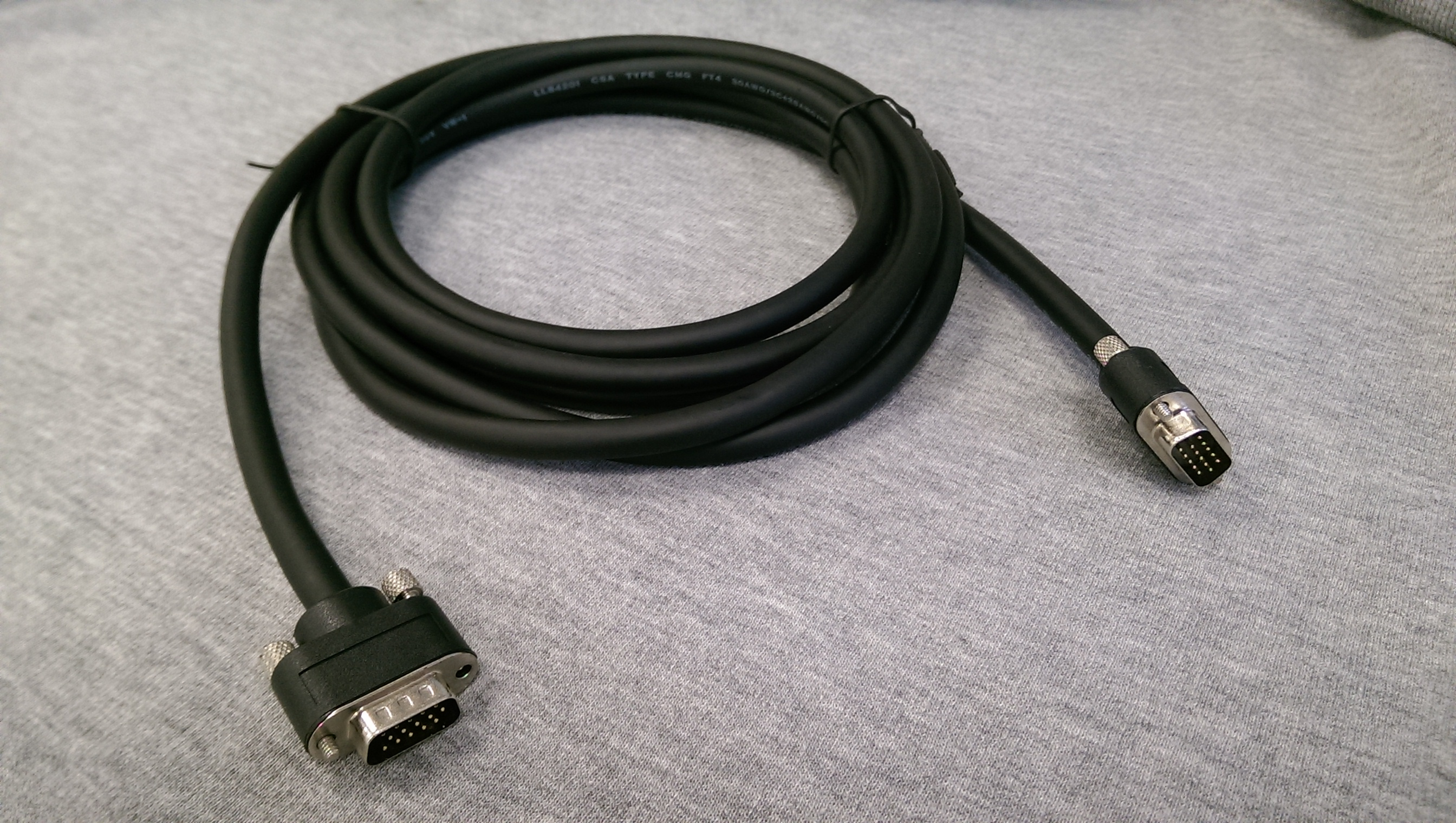 how to connect laptop to tv with vga cable