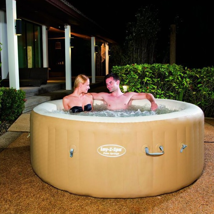 New bestway lay z spa palm springs round inflatable hot for Obi rundpool