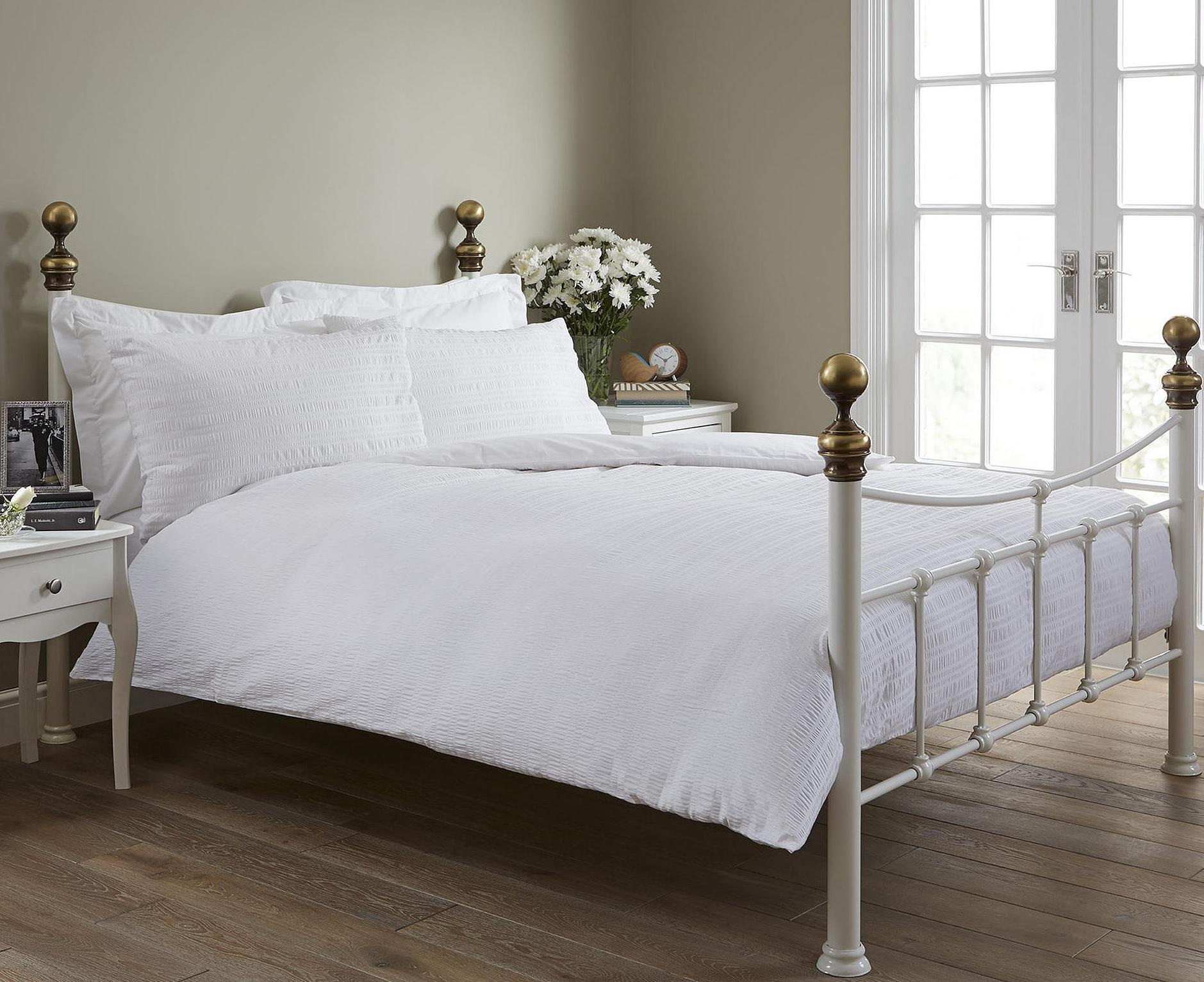 new tesco seersucker white duvet cover two pillowcases. Black Bedroom Furniture Sets. Home Design Ideas