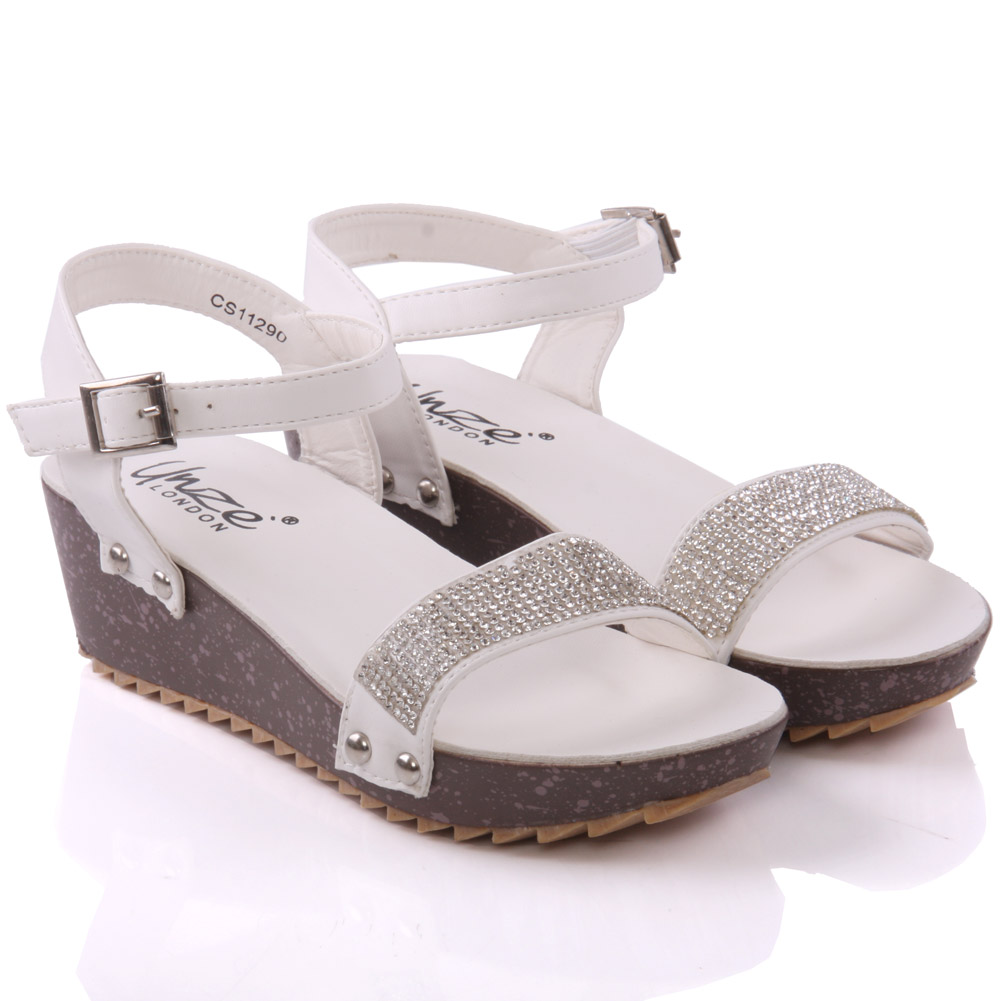 Shop for girls' sandals online at DSW. Our collection of girls' sandals includes flip flops, dress sandals, slides, Disney sandals, and more.