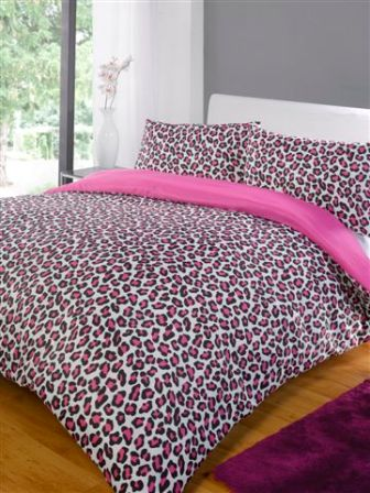 Created using the very latest in print technology, the design features a stunning image of a leopard that has been carefully printed onto soft, easycare fabric. This duvet cover is suitable for machine washing and tumble drying on a low setting.