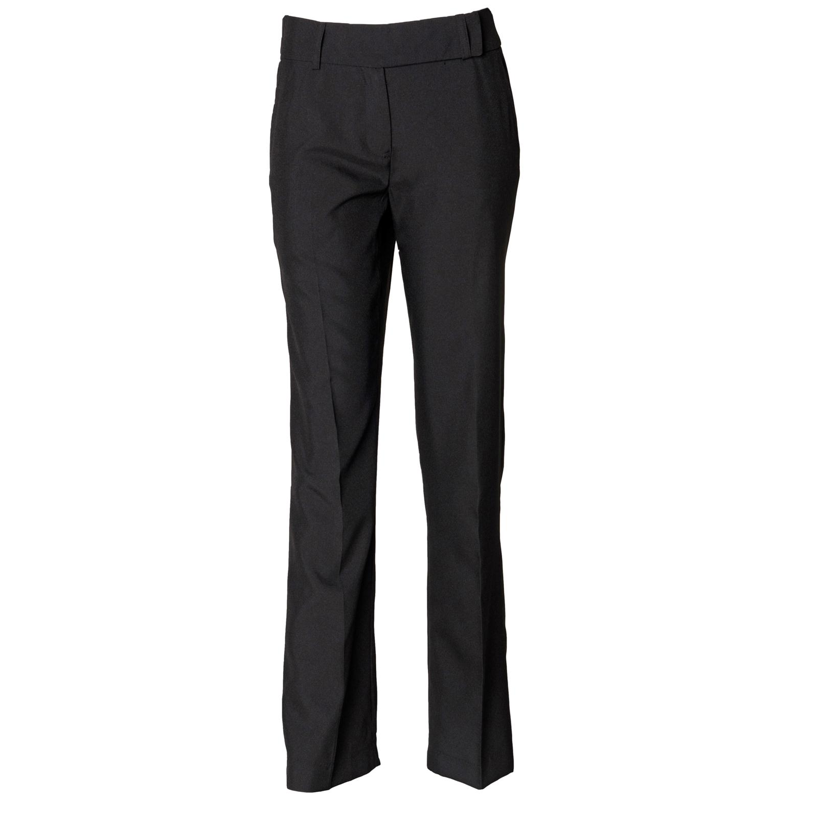 A black trouser is a wardrobe staple, be it for work or a smart casual outing. The seasonal change calls for a more relaxed fit - linen trousers are a key trend this season! The seasonal change calls for a more relaxed fit - linen trousers are a key trend this season!