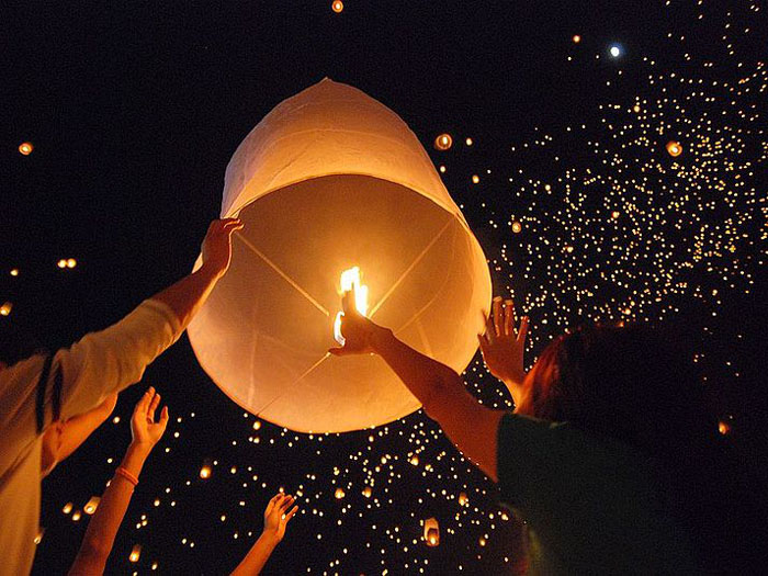 12 x Eco Flying Sky Lantern Chinese Paper Fire Red White Pink Biodegradable UK