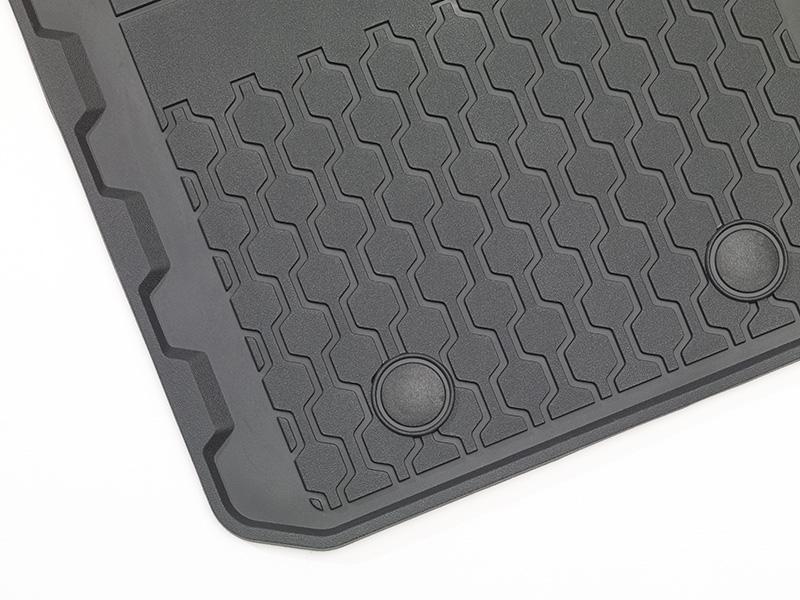 genuine ford ranger rubber floor mats front black 1809464. Black Bedroom Furniture Sets. Home Design Ideas