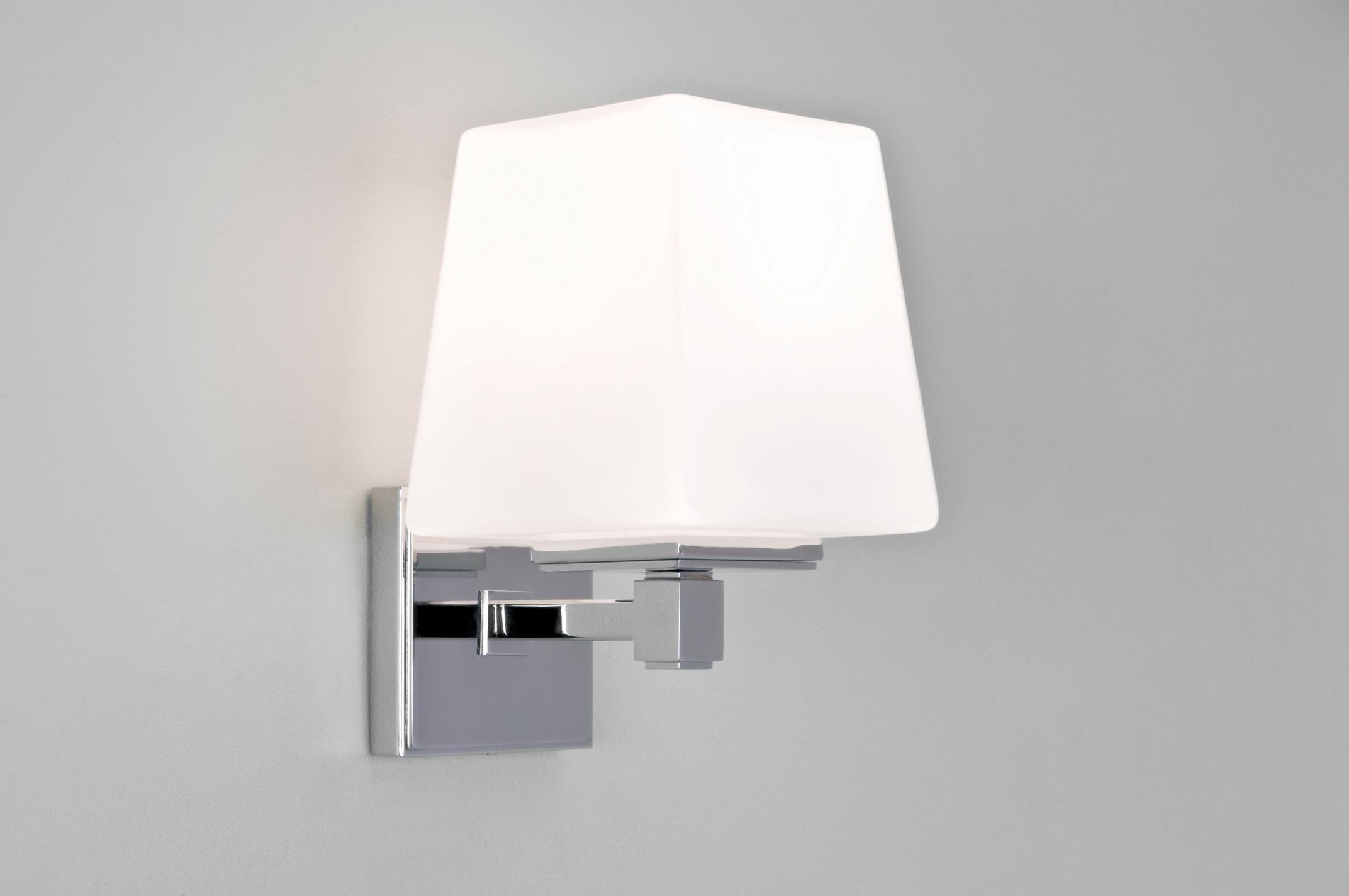 Astro noventa 0656 bathroom square wall light 1 x 60w e14 for Appliques salle de bain ip44