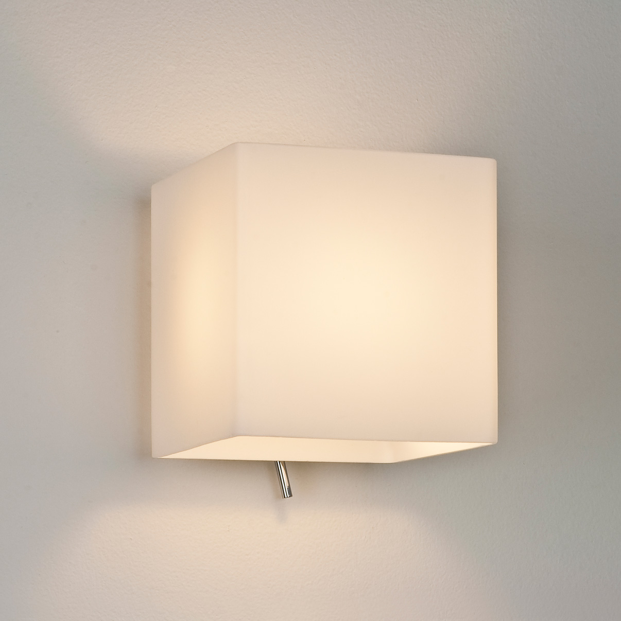 Astro Luga square 0930 dimmable toggle switch wall light 60W E14 lamp chrome Liminaires