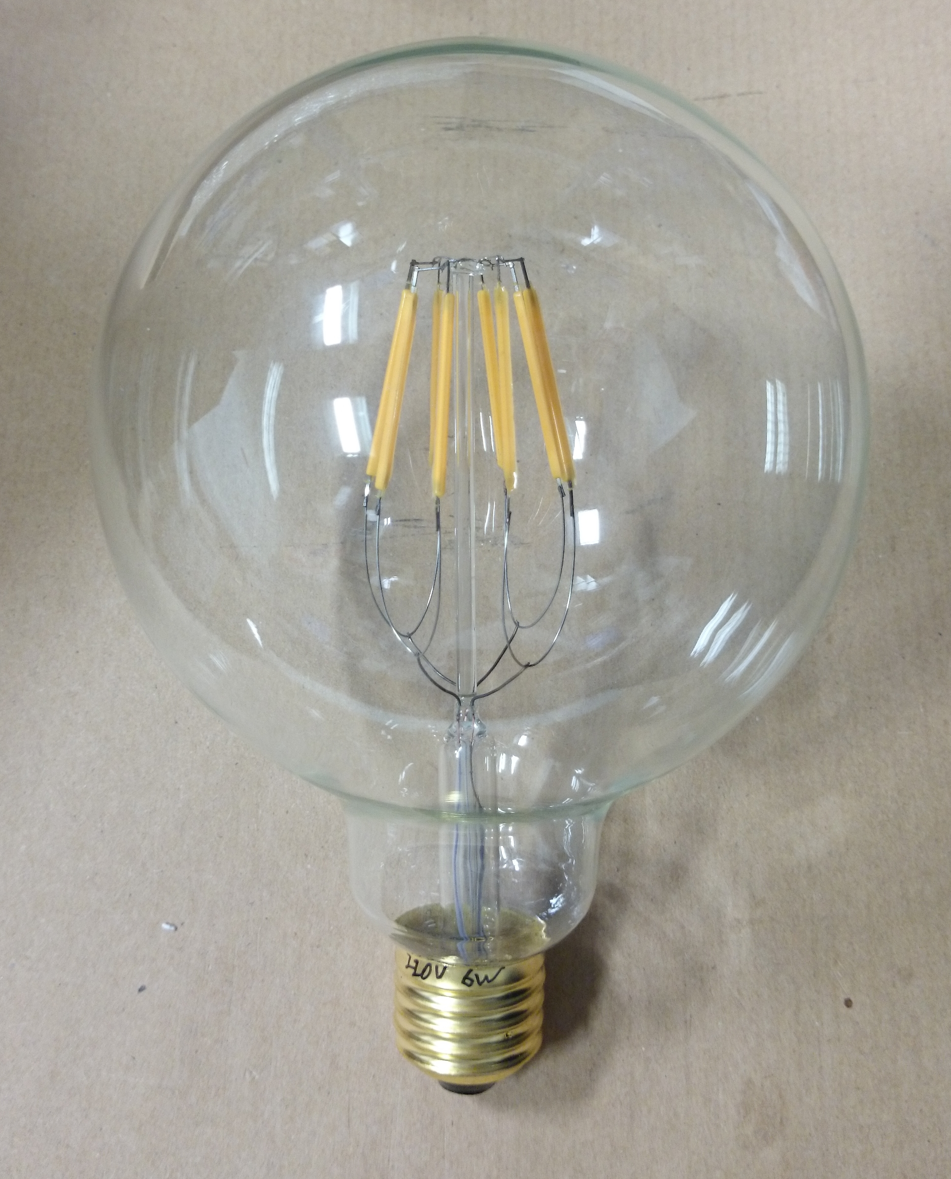 6w led per sostituire vintage incandescente g125 es e27 for Lampadina e27
