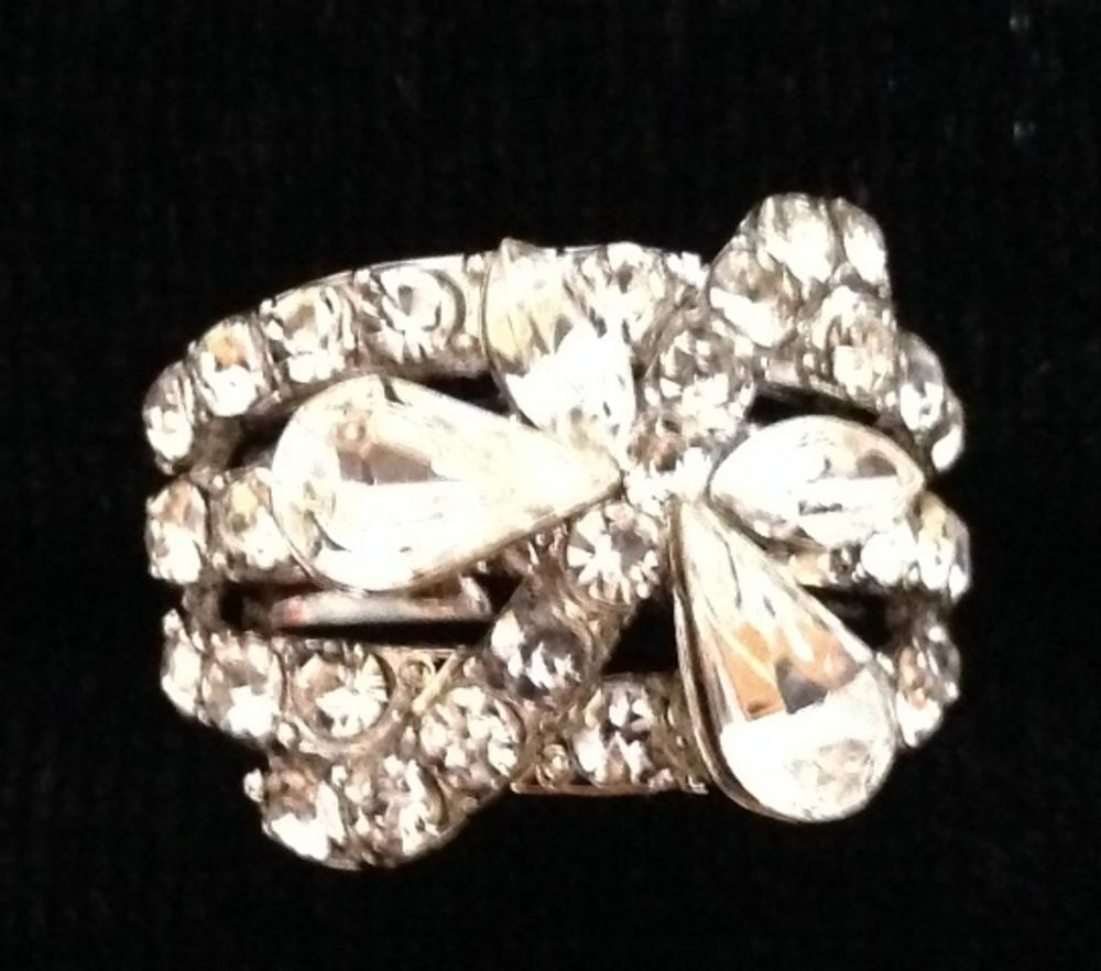 Ladies Clear Diamante Butterfly Crystal Adjustable Ring - Perfect Treat Or Gift