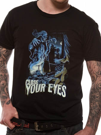Close Your Eyes (Scary) T-shirt