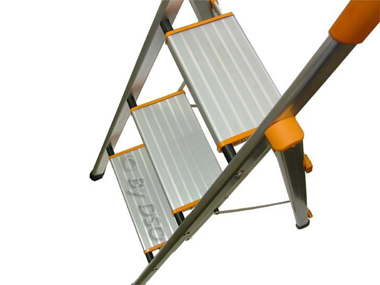 Ultra Lightweight 3 Wide Tread Aluminium Step Ladder Sl058