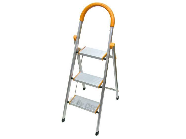 Ultra Lightweight 3 Wide Tread Aluminium Step Ladder Sl058