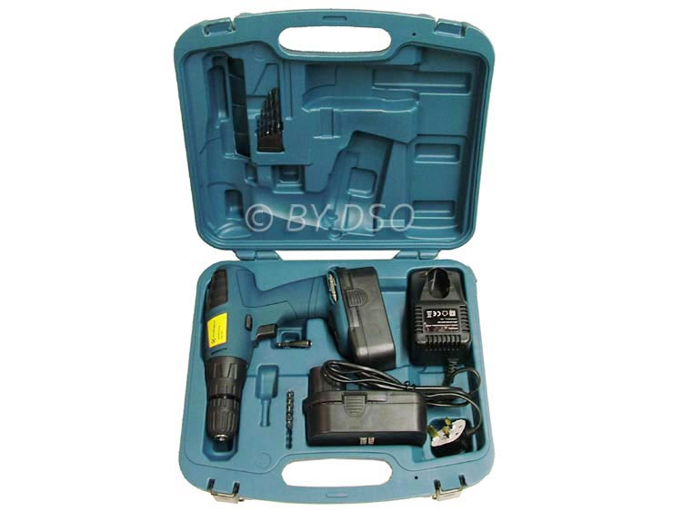 18v Cordless Drill/Driver with Hammer Function and 2 Batteries 67090C