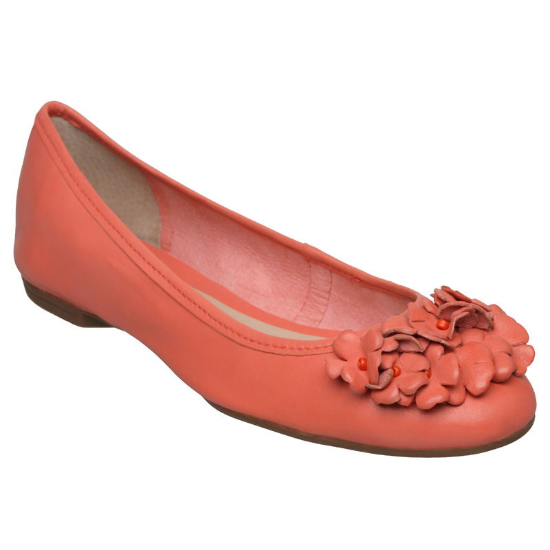Women's Pink Coral Pom Pom Flat Sandal See more Daisy Street Flat sandals. Subscribe to the latest from Daisy Street. Eyelet Sienna Slip-on (coral) Women's Shoes $78 $55 (25% off) Zappos J. Reneé Allitson (black/taupe/coral Multi) High Heels $89 Zappos Lanvin Satin Espadrille Flats Coral Price: $