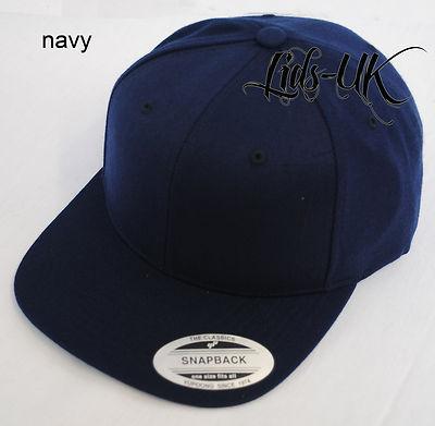 NEW PLAIN FLAT PEAK FITTED HAT CAP BLACK, GREEN, NAVY + | eBay