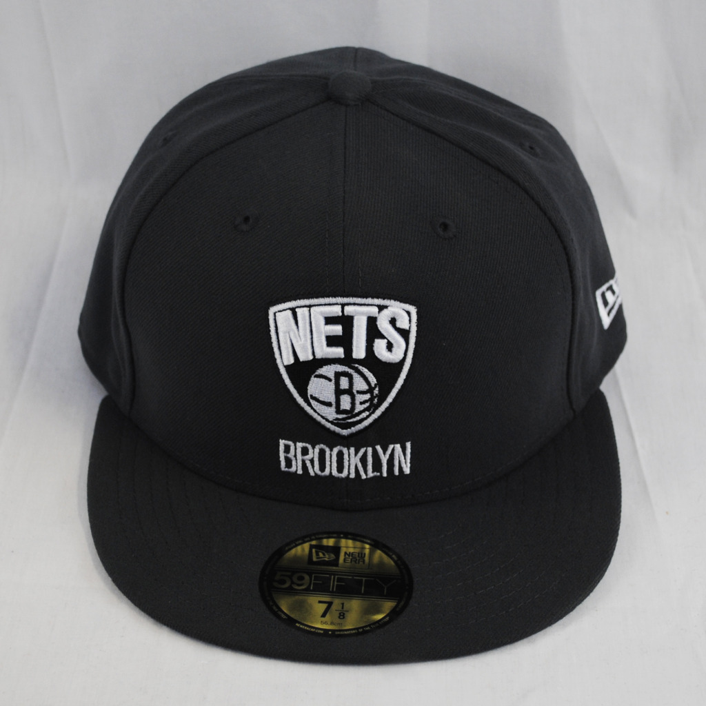 New Era 59Fifty Brooklyn Nets Fitted Flat Peak Graphite