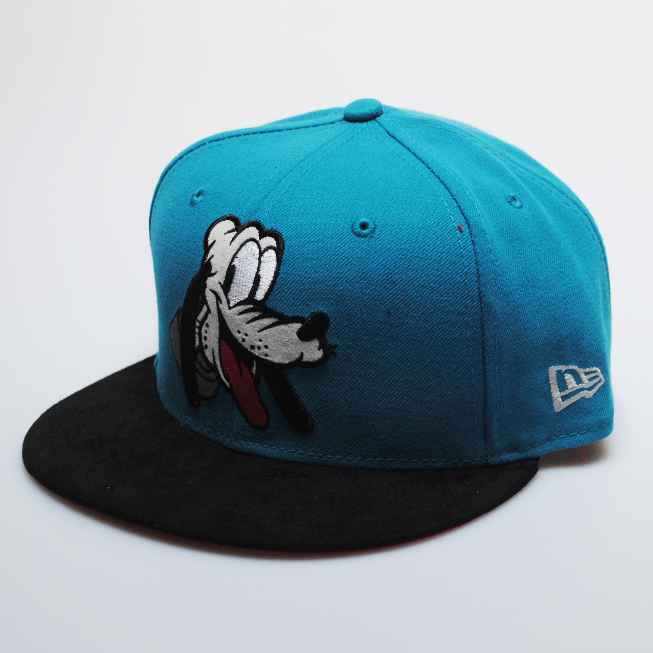 New Era 9fifty Retro Disney Pluto Character Sky Blue Black