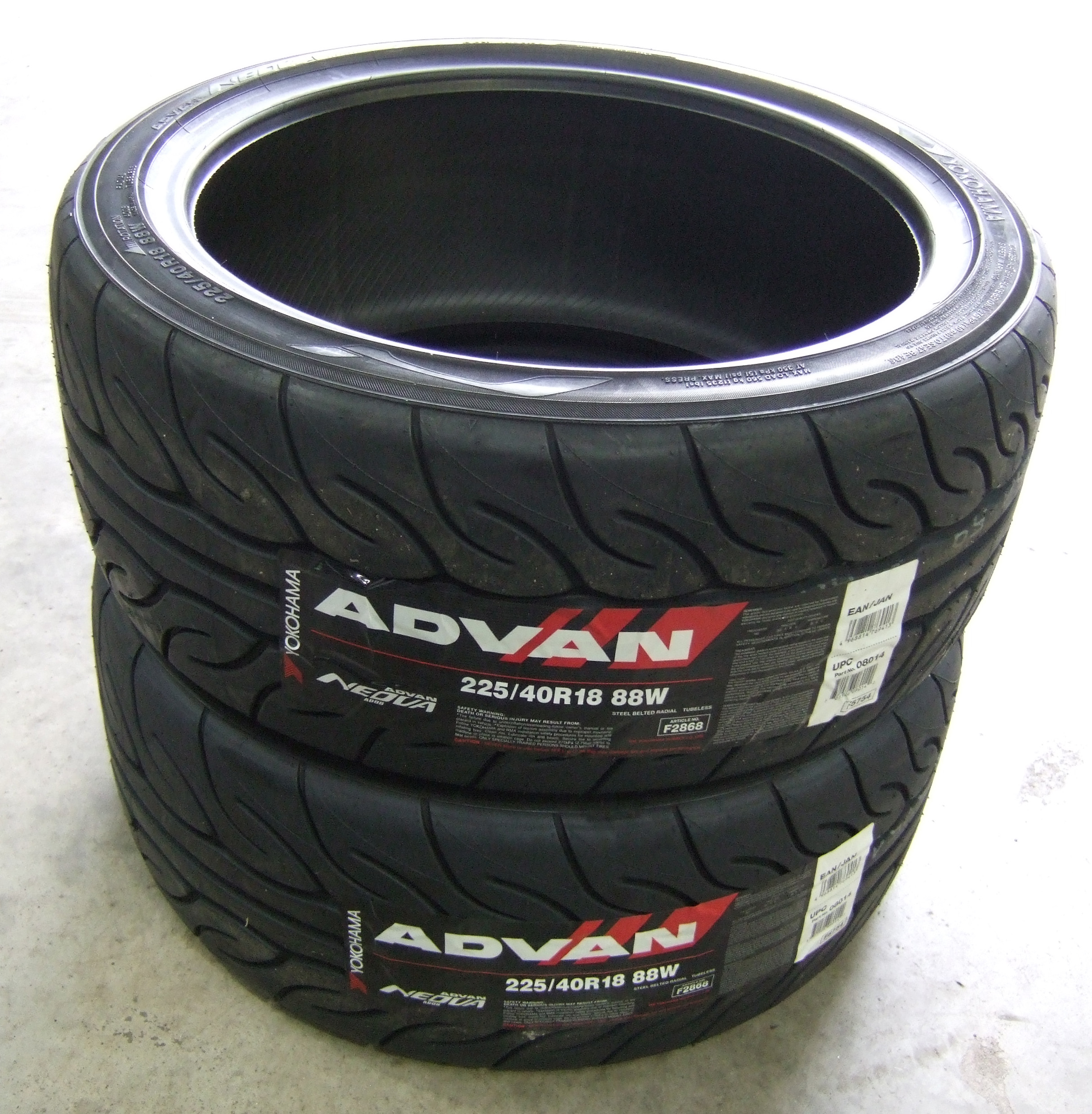 225 40 18 yokohama ad08 advan neova track day tyres 2254018 88w 225 40 18 x2 ebay. Black Bedroom Furniture Sets. Home Design Ideas