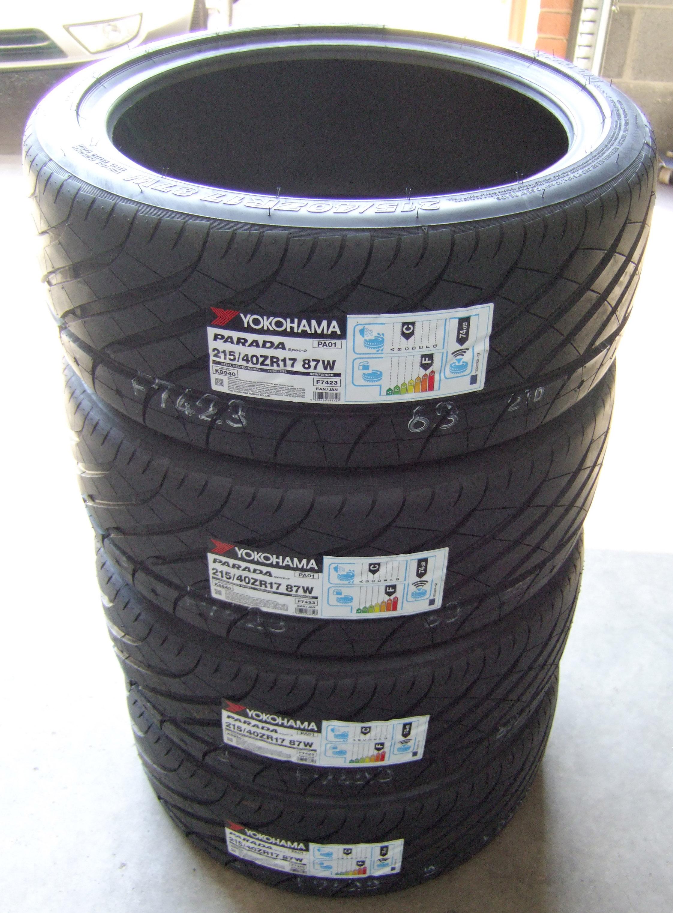215/40/17 Yokohama Parada Spec 2 Tyres 2154017 87W 215/40 17 - (SET) x4