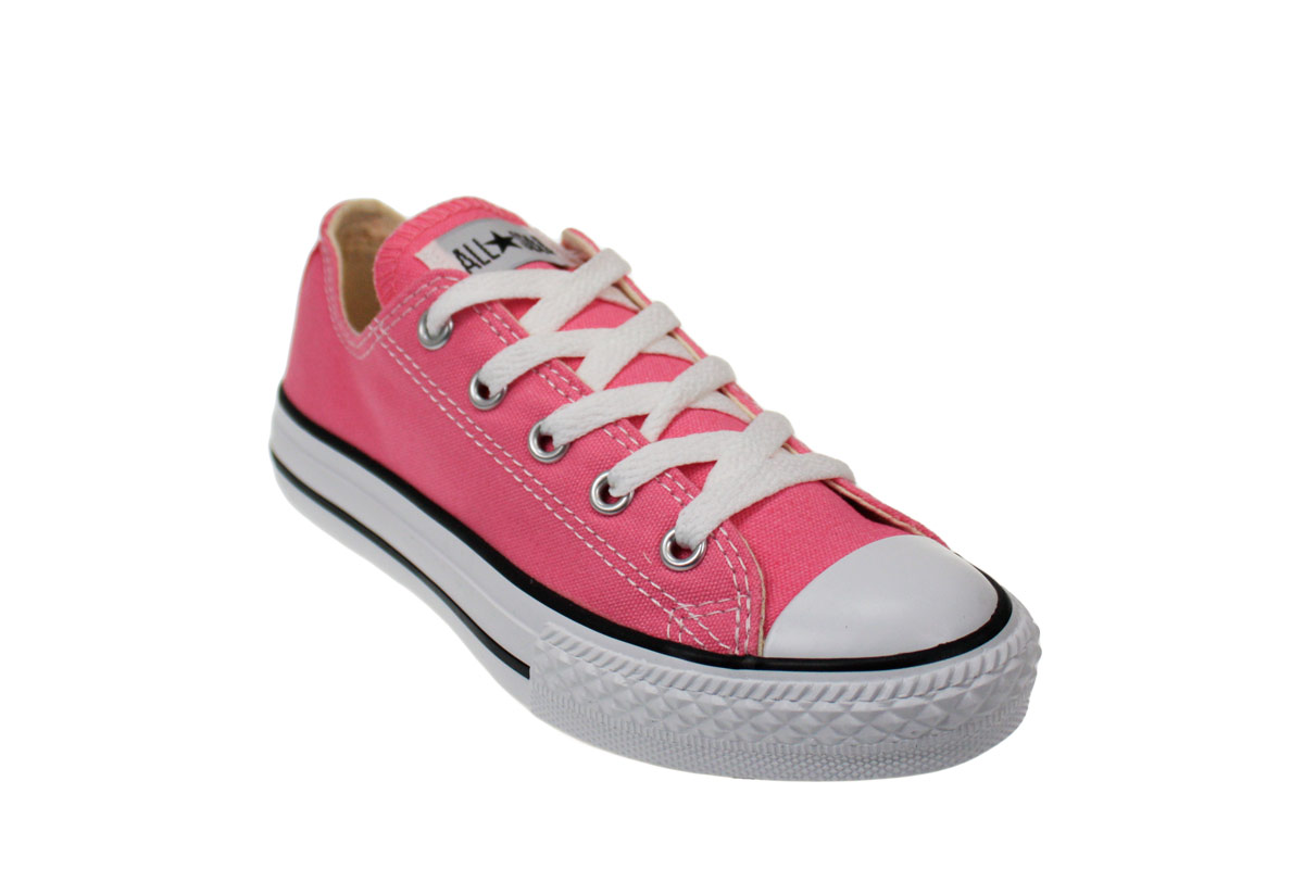dating converse sneakers Converse all star sneakers can be found in person and online at a variety of retailers, including amazon, zappo's, jc penney, foot locker, and famous footwear.