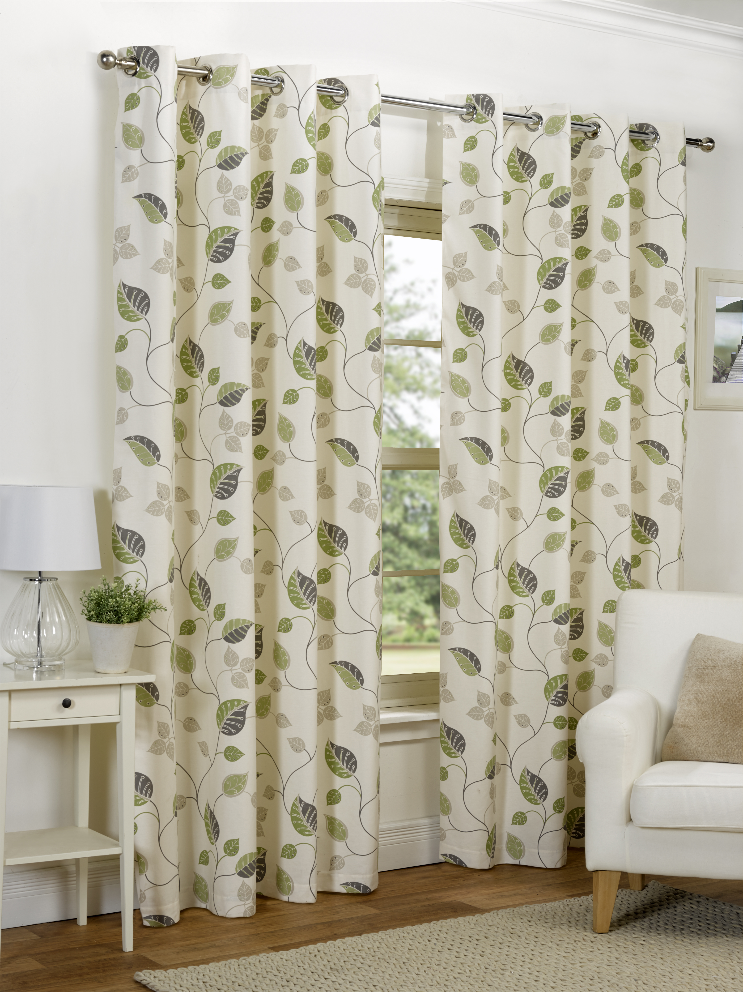 You can completely transform a room (or several) with these contemporary chiffon Oak Leaf Acorn Curtains. Choose from different lengths (and a wide variety of designs) to beautifully fit your decor. You'll find window drapes in elegant patterns and styles, along with images that might add an element of surprise.