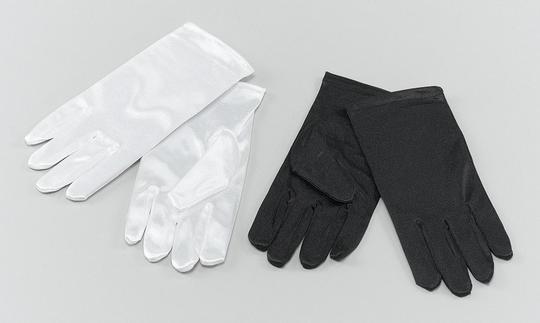 Childs Gloves. Black Thumbnail 1