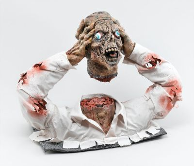 Cut Off Zombie Head Display Thumbnail 1