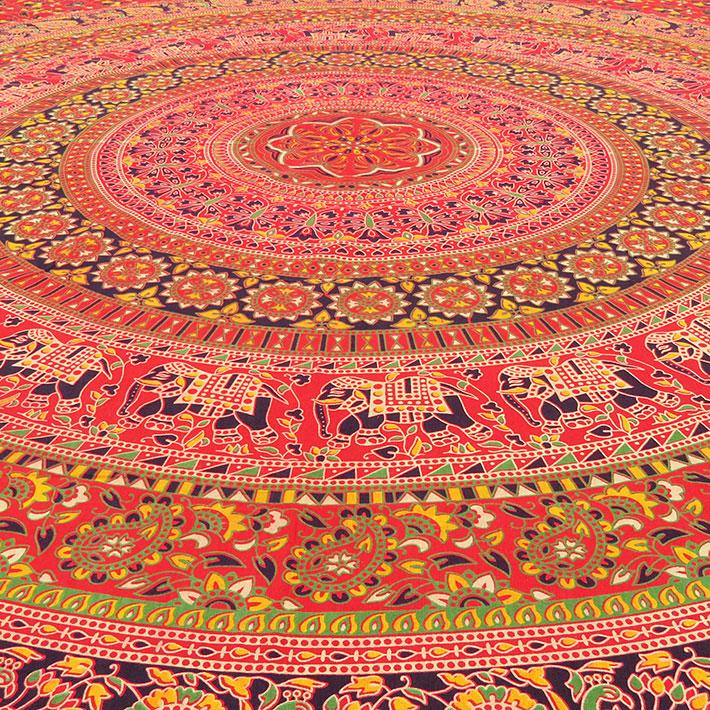 K nigin rot indische mandala wandbehang tagesdecke strand for Lesesessel rot