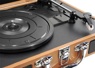 PVTT2UGR Rechargeable Retro Belt-Drive Turntable Built in Speakers & USB-to-PC Thumbnail 3