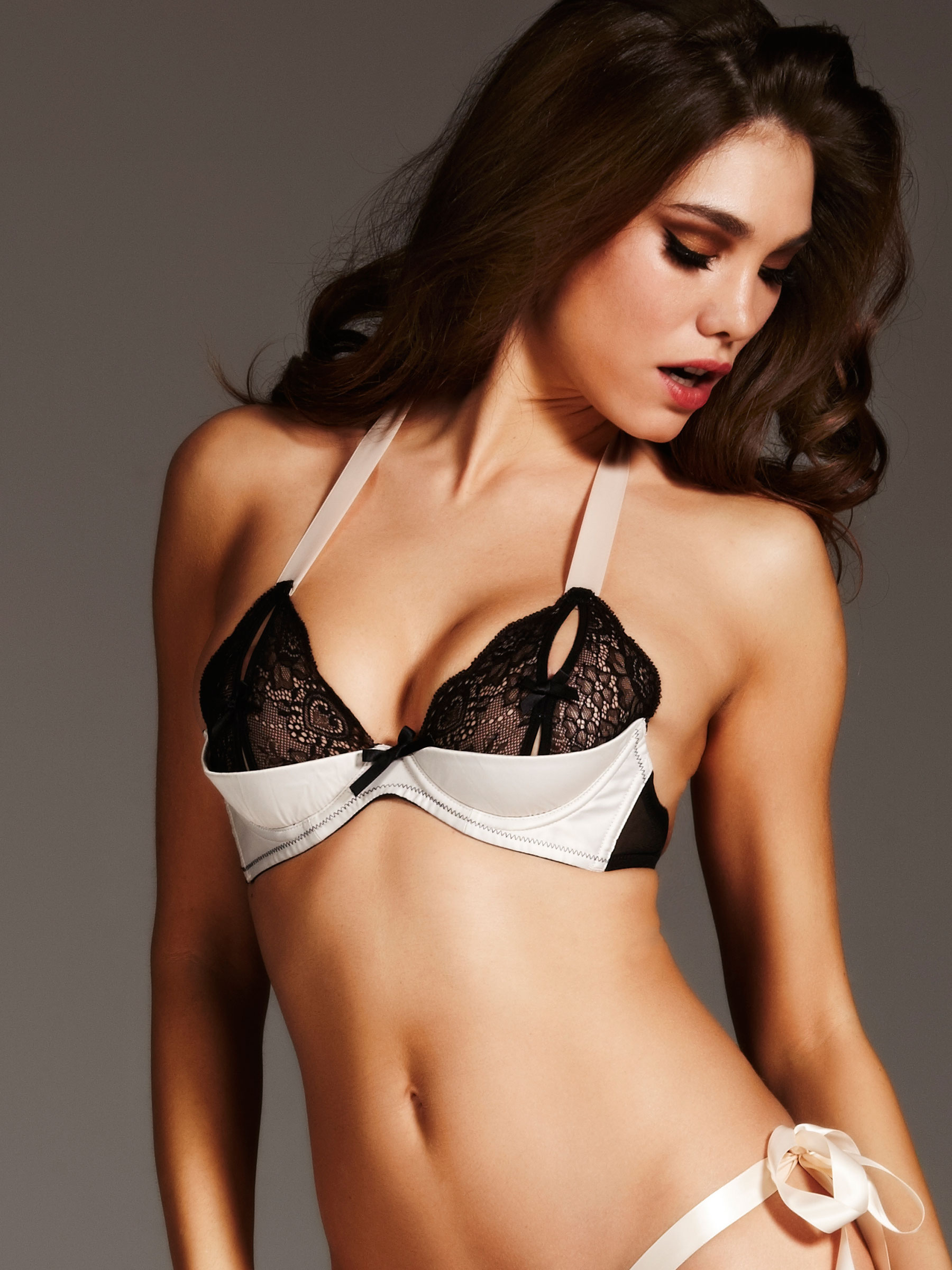 Style Analysis The Elegance of the Quarter Cup Bra  The